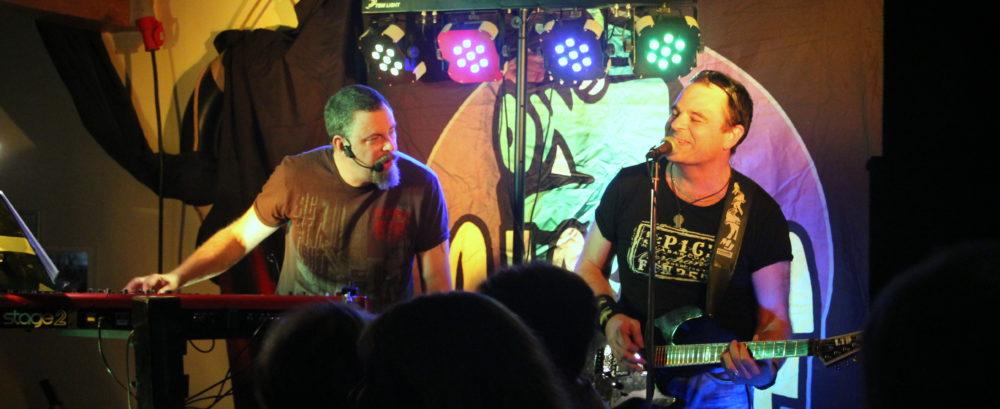 Hamnmagasinet scen Patrik och Micke happy